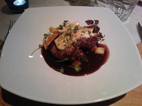 سكانديك سيمونكيتا: Blue cheese steak