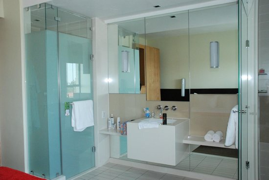 SunSquare Montecasino: bathroom en suite
