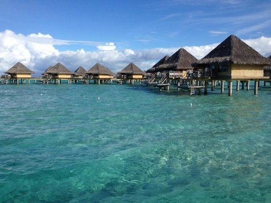 ‪‪InterContinental Bora Bora Le Moana Resort‬: View of some of the overwater bungalows from a boat