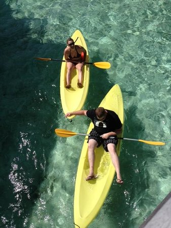 InterContinental Bora Bora Le Moana Resort: Taking advantage of some of the free activities the resort offers...kayaking!