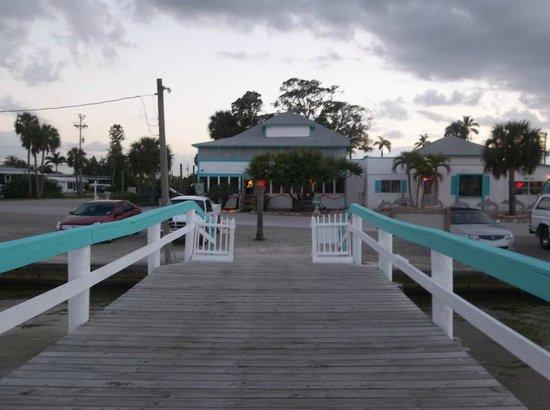 Capt'n Con's Fish House/Bokeelia FL