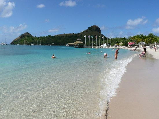 Sandals Grande St. Lucian Spa & Beach Resort: Der Strand