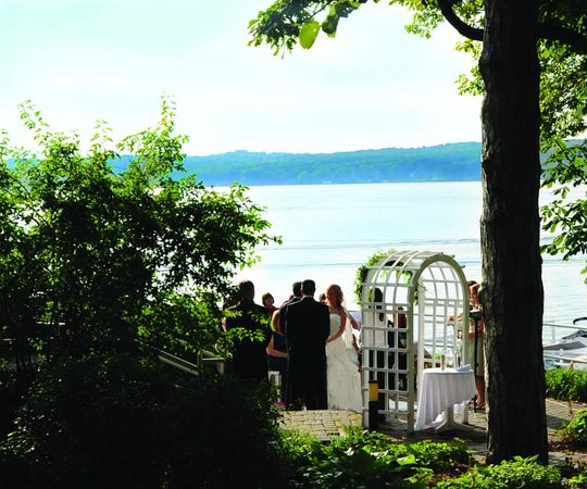 The Geneva Inn : Wedding Ceremony
