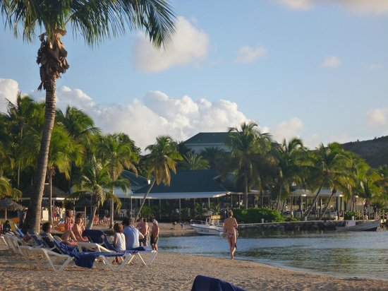St. James's Club: The bay side beach