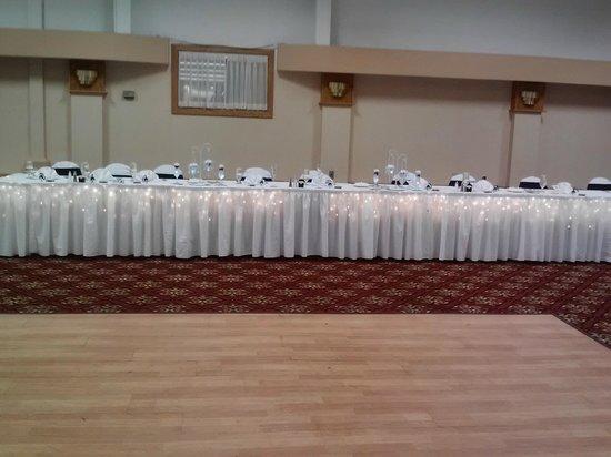 Ramada Hotel & Conference Center by Wyndham Cortland: Wedding Head Table