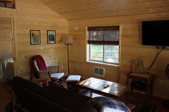 Reclusive Moose Cabins: cabin interior