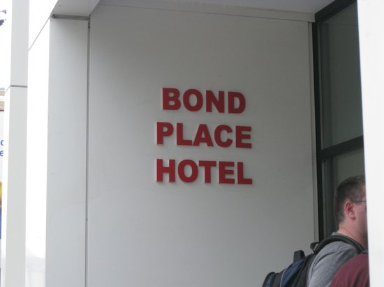 Bond Place Hotel: just heading in after a day of shopping