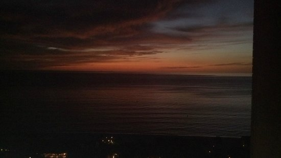 The Ritz-Carlton, Naples: Sunset view from balcony