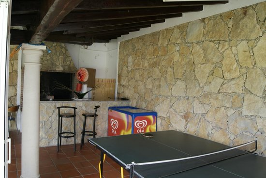 Casa do Trovador: Play area, ping pong, barbecue and small bed´s for a nap.