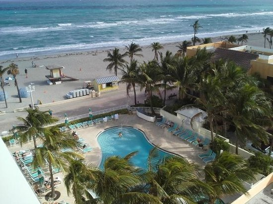 Hollywood Beach Marriott: View from room 712