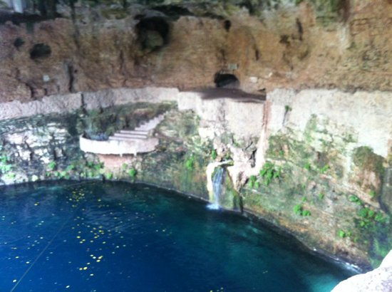 Hotel Tunich Beh: Gorgeous cenote only 15 mins walk away, amazing swim!