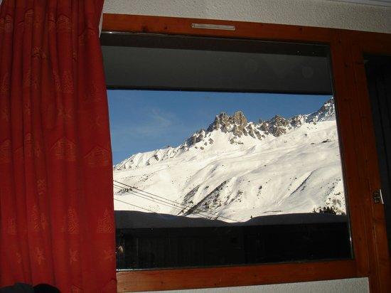 Résidence-Club Odalys Le Hameau du Mottaret : Great view of Saulire peak from our room