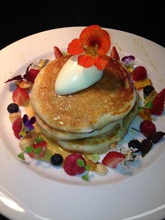 Nice Cafe: berry pancakes