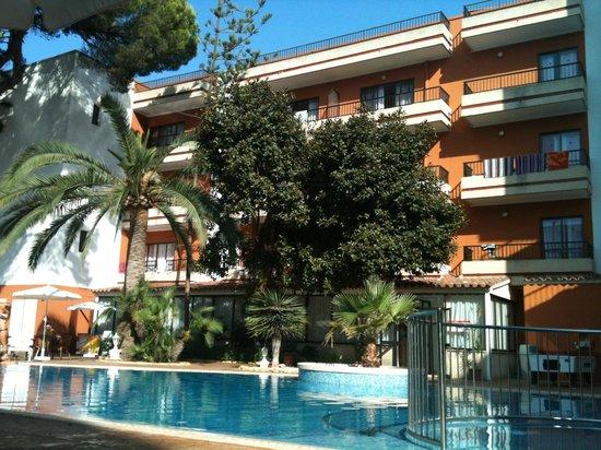 Hotel HSM Venus Playa: La piscine