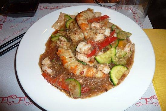 Wok World: Spaghetti di Soia, Gamberi, Zucchine e Peperoni, in salsa al Fagiolo Nero, alla Wok