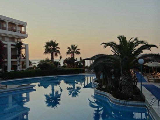 Rethymno Palace: piscine et plage