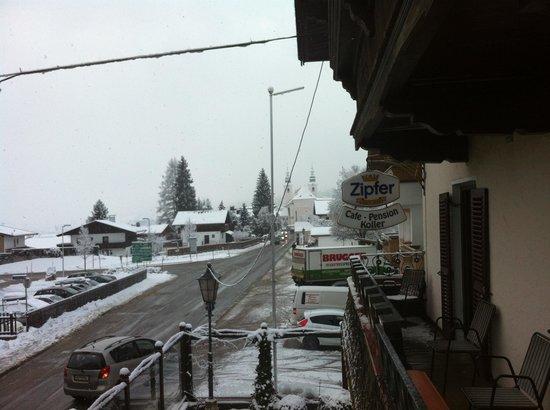 Cafe Pension Koller: Uitzicht vanaf het balkon aan de voorzijde