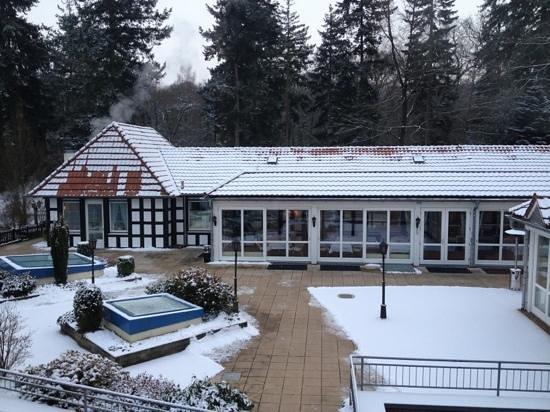 Vila Vita Burghotel Dinklage: Hof von Restaurant und Frühstucksraum aus der 1.Etage aus gesehen.