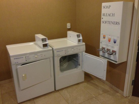 Hampton Inn Kingston: Dryers