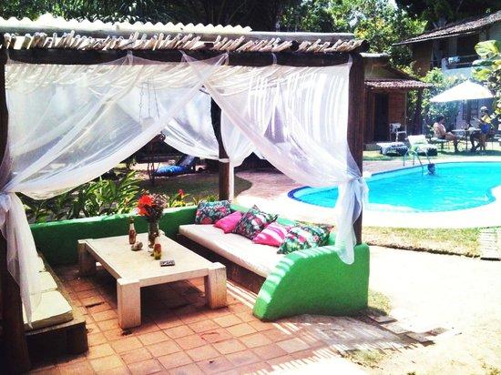 Pousada Raízes do Brasil: Area da piscina