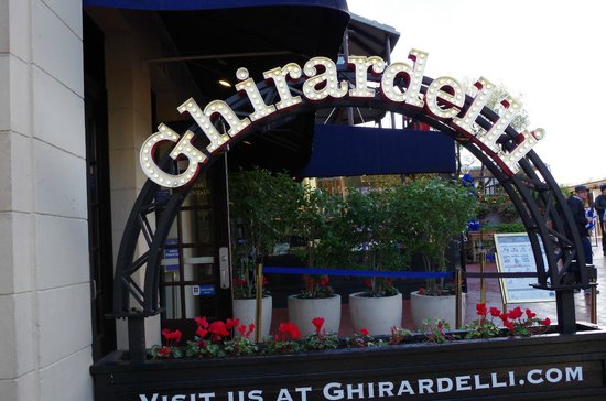 The Real S.F. Tour: Ghiradelli square