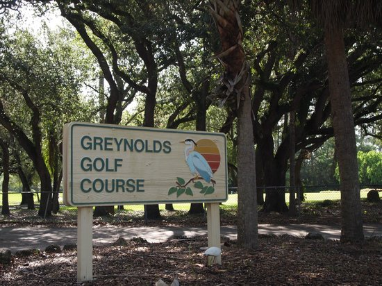 ‪Greynolds Golf Course‬