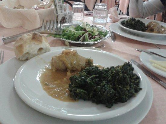 Hotel Casa Tra Noi: 2º plato cena exquisito todo