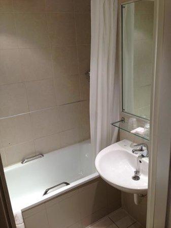 メルキュール ロンドン ケンジントン, bathtub