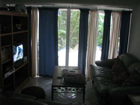 Natz Ti Ha Condominios: tv/family room (small but adequate)