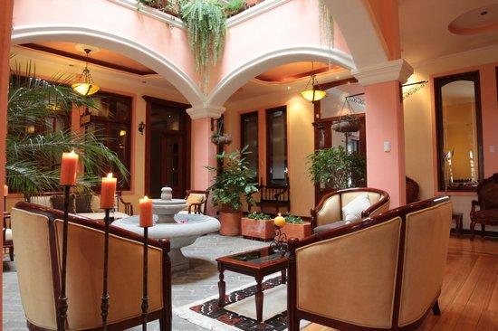 Mansion Santa Isabella: lobby  hermoso