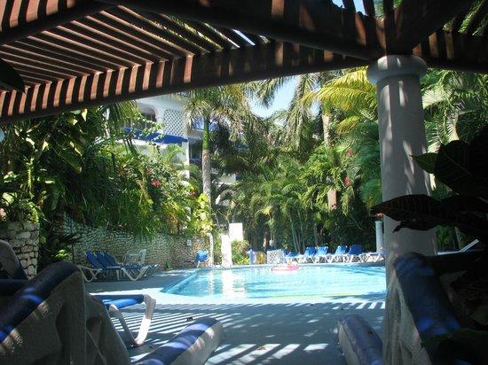 Natz Ti Ha Condominios : Patio/pool