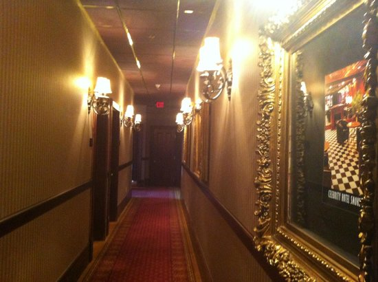 Celebrity Hotel: 20