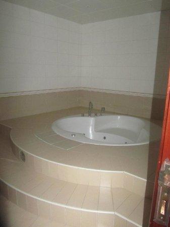 Avari Hotel Apartments Al Barsha: .