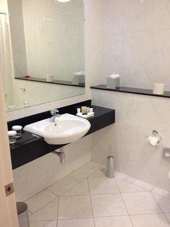 Mullingar Park Hotel : bathroom