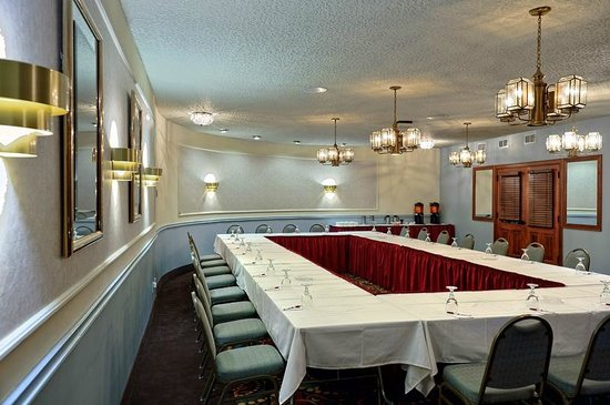 Clarion Highlander Hotel and Conference Center: Meeting Room