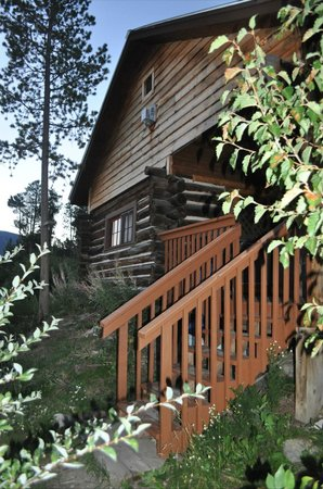 Colorado Cabin Adventures : River Run Cabin Exterior