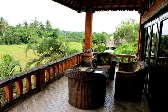 Mandala Desa: The veranda with stunning view