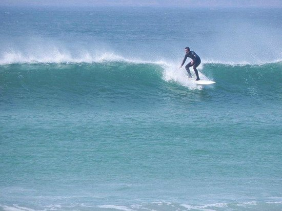 Nevsail Watersports : surfing in Doonbeg