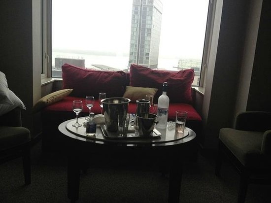 โรงแรมแกนเซอวอร์ท: $499 vodka
