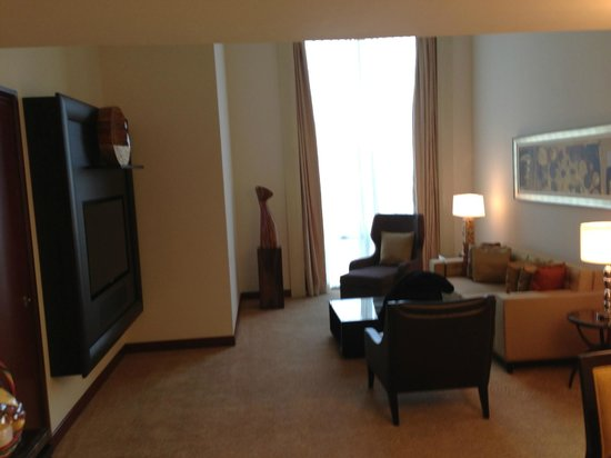 Fairmont Makati: Living Room