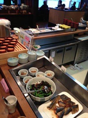 Dormy Inn Toyama: 朝食のバイキング