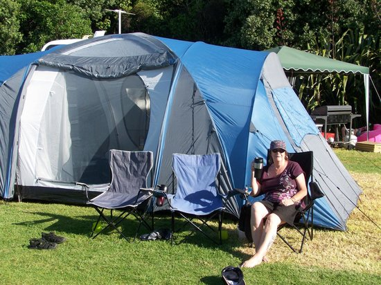 Oakura Beach Holiday Park: camping