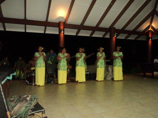 Salani Surf Resort : Show Night