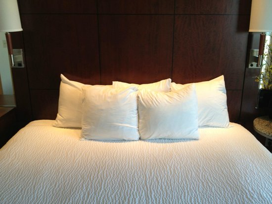 Residence Inn Melbourne: Bed
