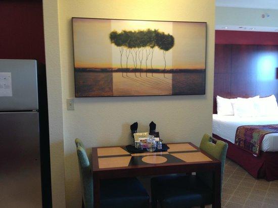 Residence Inn Melbourne: Studio Suite - Dining