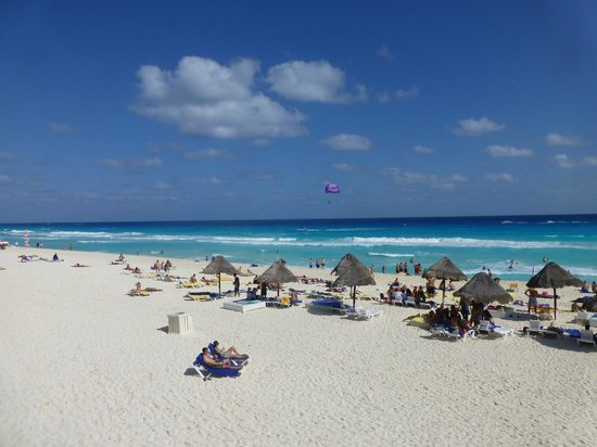 Grand Oasis Cancun: Playa