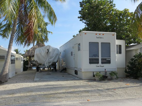 Key Largo Kampground and Marina : RV condo site