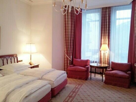 Excelsior Hotel Ernst: Twin room