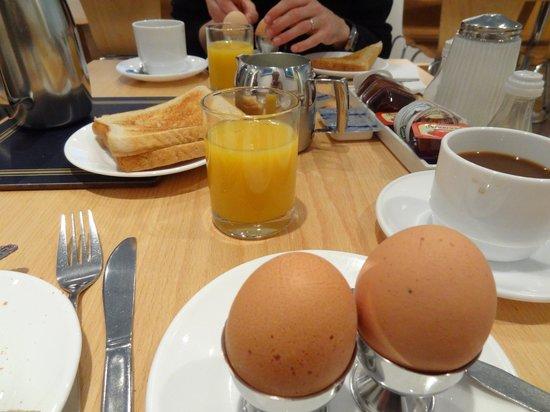 Luna & Simone Hotel: Breakfast