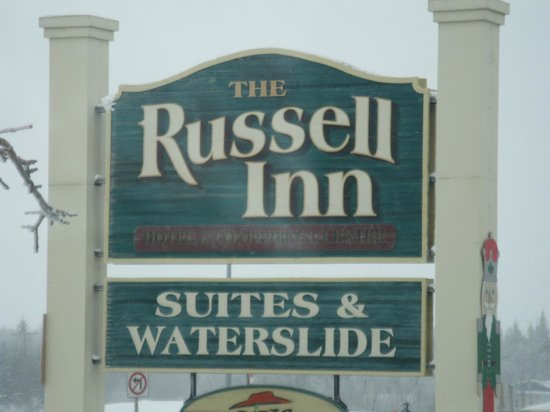 The Russell Inn Hotel & Conference Centre: Signage